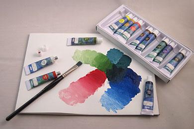 Billiga akrylfärger | www.dinateljer.se